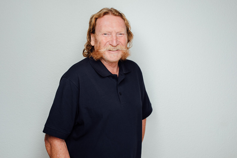 Michael Karger ist unser Zahntechniker. Er erstellt Ihren Zahnersatz in unserem eigenen Dentallabor.